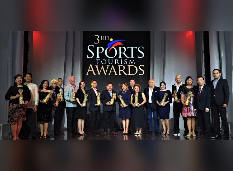 SPORTS. The roster of jubilant winners in last year's Philippine Sports Tourism Awards. joined by PSTA founder Charles Lim, DOT Undersecretary Benito Bengzon, Jr., and Primetime CEO Pauland Dumlao. (Selracho Photo)