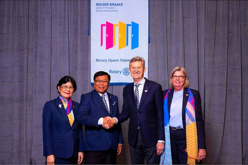 BAGUIO. DG Jess Sama and his lovely wife Grace with Rotary International President Holger Knaack and First Lady Susanne, during an international assembly in San Diego, California. (Contributed photo)