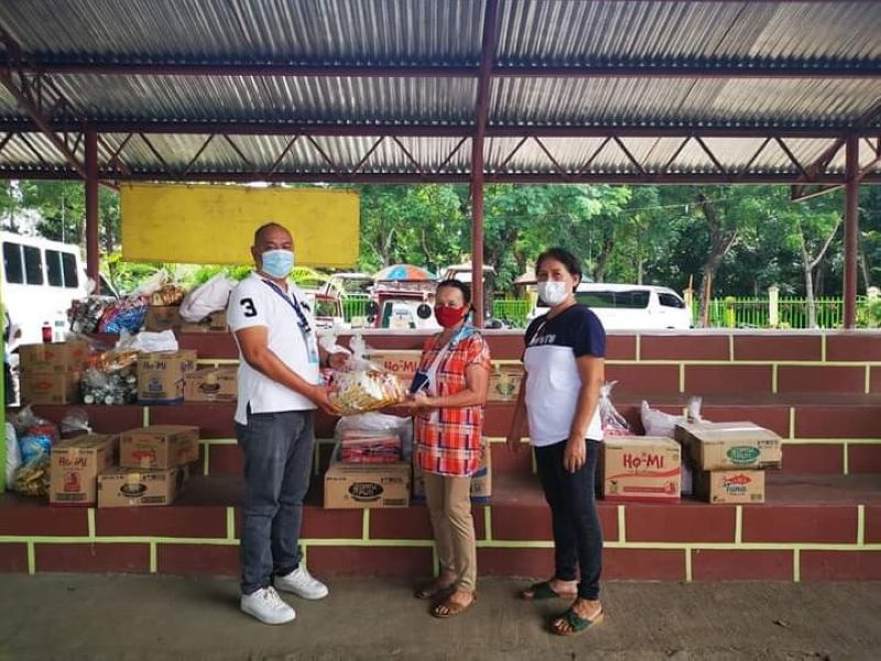 BACOLOD. Thirty-two entrepreneurs of Barangay Vito in Sagay City avail themselves of various services of the Department of Trade and Industry through its Livelihood Seeding Program-Negosyo Serbisyo sa Barangay yesterday. Eight of them received livelihood kits like sari-sari store showcase. (Contributed photo)