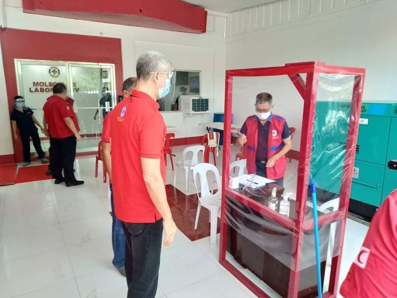 BACOLOD. Governor Eugenio Jose V. Lacson graces the inauguration of the new PRC molecular lab in Bacolod City. (Photo from Provincial PIO)