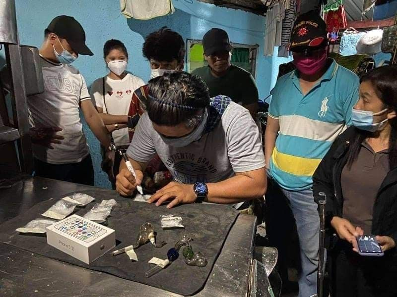 INVENTORY. Police conduct an inventory of drugs and paraphernalia in Bulacan. (PRO-3 PIO)