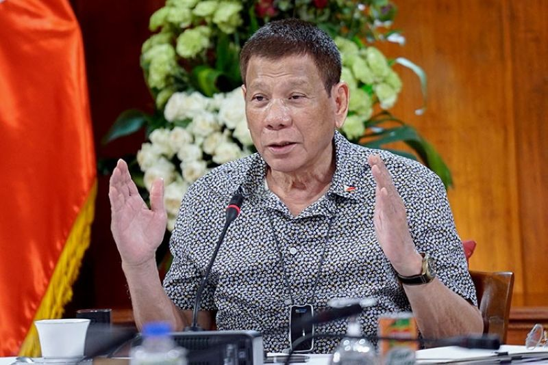 MANILA. In this handout photo provided by the Malacanang Presidential Photographers Division, President Rodrigo Duterte gestures as he meets members of the Inter-Agency Task Force on the Emerging Infectious Diseases at the Malacanan Palace in Manila, Philippines on Monday, August 30, 2020. (AP)