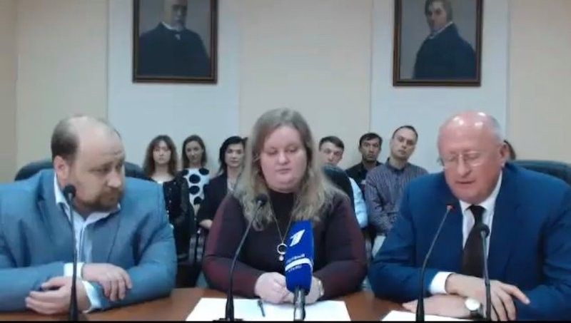 RUSSIA. (From left) Gamaleya deputy research director Denis Logunov, researcher Inna Dolzhikova and Gamaleya head Alexander Gintsburg explain the results of phases one and two clinical trials for Sputnik V, a vaccine against Covid-19, in a press conference in Moscow on September 4, 2020. (Screenshot from Zoom meeting)
