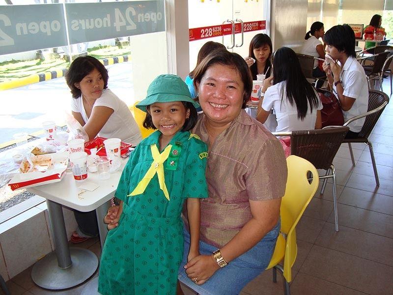 DAVAO. Mother and daughter. (Apple Guiao-Alvarez)