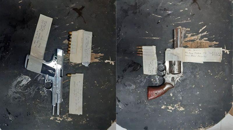 DAVAO. Mga armas nga nasakmit gikan sa mga suspek nga way mga legal nga papeles. (Panabo City Police Station)