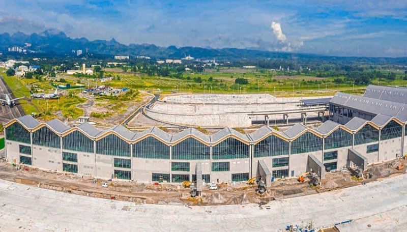 PAMPANGA. Construction of the New Passenger Terminal Building of Clark International Airport is now complete. (BCDA)