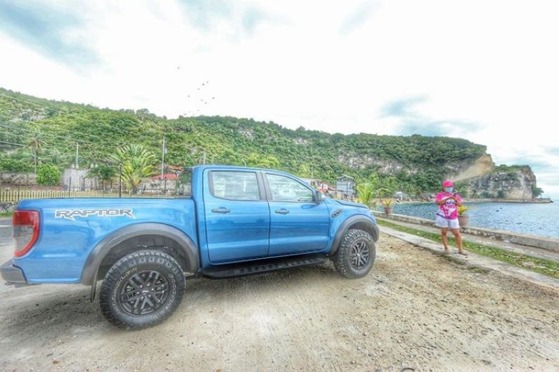 FORD RAPTOR. The Ranger Raptor offers a tailored Ford Performance DNA interior design with a high level of craftsmanship, harmonious colors and durable materials suitable for both off-road driving and everyday use. The seats are specially designed for off-road high-speed performance support. (Photo taken in Oslob, Cebu by Alex Badayos.)