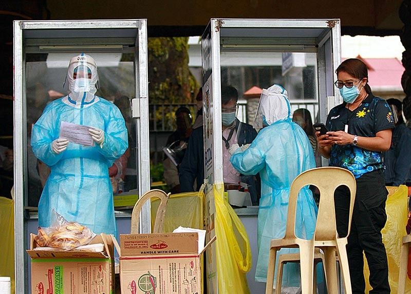 EXPANDED TESTING. Bases Conversion and Development Authority conducts expanded testing for coronavirus disease (Covid-19) from October 26 to 28 that will benefit some 3,000 residents. The expanded testing schedule in Baguio City is the third time from BCDA. (Jean Nicole Cortes)