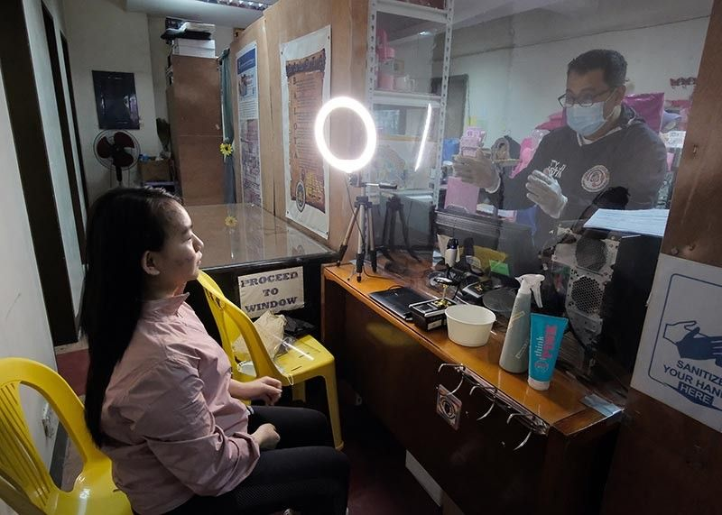 ONGOING REGISTRATION. The Commission on Elections in Baguio City will continue its ongoing voters' registration for biometrics procedure Mondays through Thursdays from 8 a.m. to 3 p.m. Fridays will be dedicated to disinfection procedures. (Photo by Neil Clark Ongchangco)