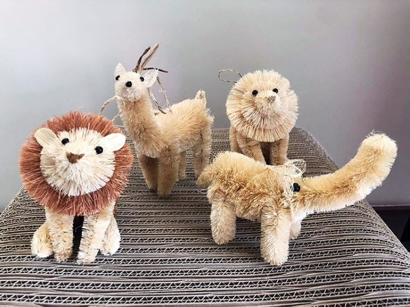 DAVAO. Add these adorable safari-inspired pieces to your Christmas tree decor collection. (Photo by Delsur Living)