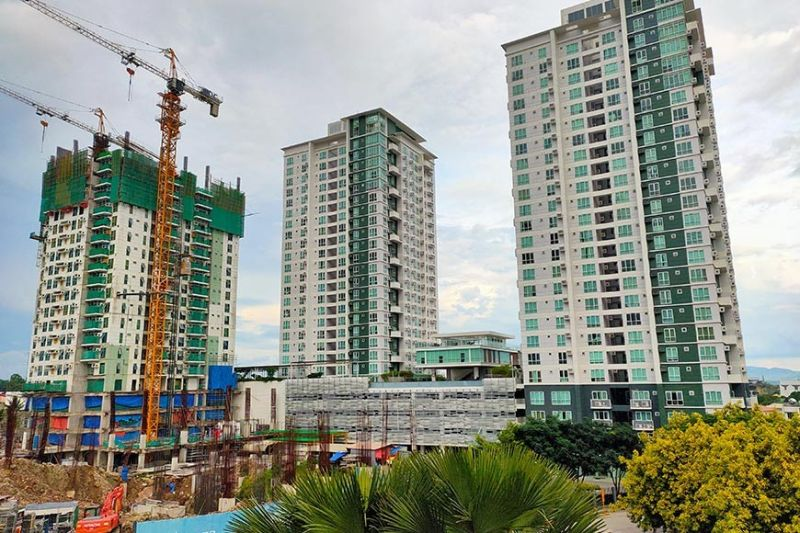 SLOWDOWN. The subsectors of construction and real estate and ownership of dwellings saw a contraction of 39.8 percent and 22.5 percent, respectively, in the third quarter of 2020. (RJ Lumawag)