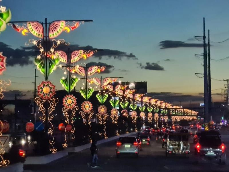 RAYS OF HOPE. Amid the Covid-19 pandemic and natural disasters, the 'Parul Sampernandu' or Fernandino lanterns like those along Jose Abad Santos Avenue in the City of San Fernando, continue to shine with rays of hope. (Chris Navarro)