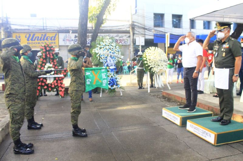 CAGAYAN DE ORO. City Mayor Oscar Moreno and Philippine Army 4th Infantry Division Commander Major General Andres Centino led the ceremonial wreath laying during the 157th Birth Anniversary Commemoration of Gat Andres Bonifacio at the El Pueblo A Sus Heroes Monument, Plaza Divisoria in Cagayan de Oro. (Photo by Jo Ann Sablad)
