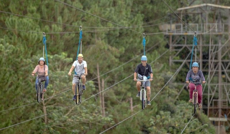 DAVAO. Riding high. Eden Nature Park is relaxing as it is adrenaline-pumping (Photo by Eden Nature Park)