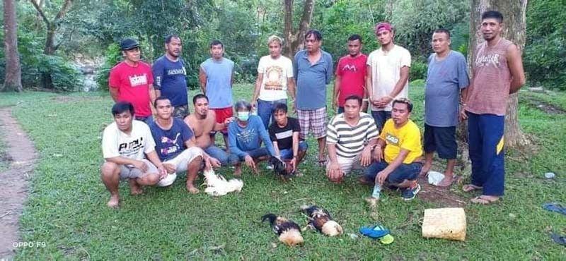 ■ SUGAROL: Ang unom ka mga sugarol sa tigbakay sa Lungsod sa Consolacion nga nasikop sa kapulisan./ CPPO
