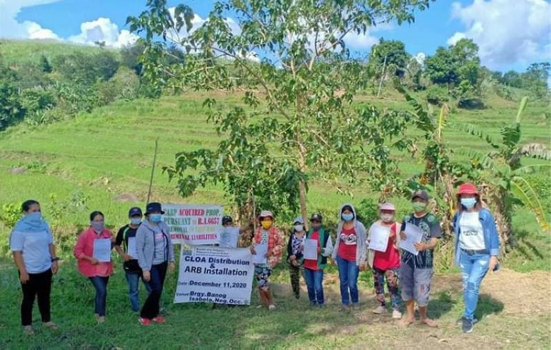 NEGROS. Some of the agrarian reform beneficiaries in Isabela during the installation by the Department of Agrarian Reform in Negros Occidental-South in the town on Friday, December 11, 2020. (Contributed photo)