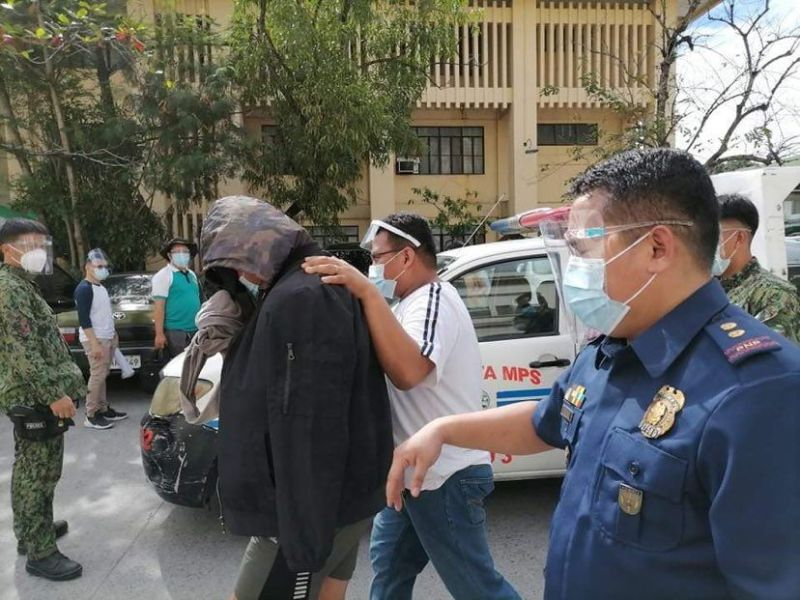 ARREST. Operatives of the Olongapo City police arrest a suspect during the recent buy-bust operation. (PRO-Central Luzon)