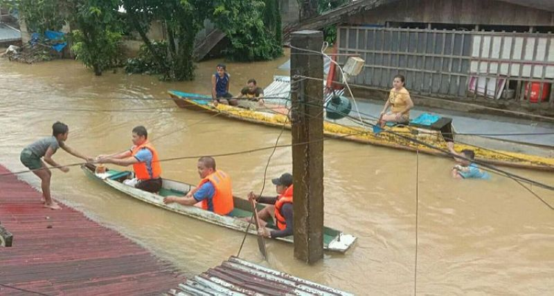 EASTERN SAMAR. Jipapad Municipal Police Station personnel, under Lieutenant Baltazar Cepeda Jr., lead a rescue operation in the flood-hit town on January 10, 2021. (Photo from Jipapad-MPS)