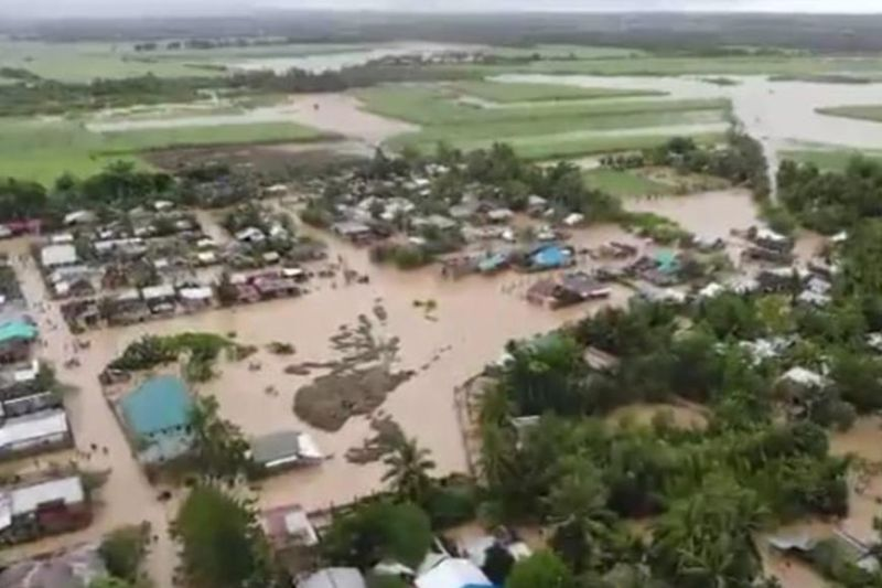 NEGROS. Damage and production losses on agro-fishery sector of Negros Occidental brought by the massive flooding have surged to over P42 million. (Cadiz CDRRMO)