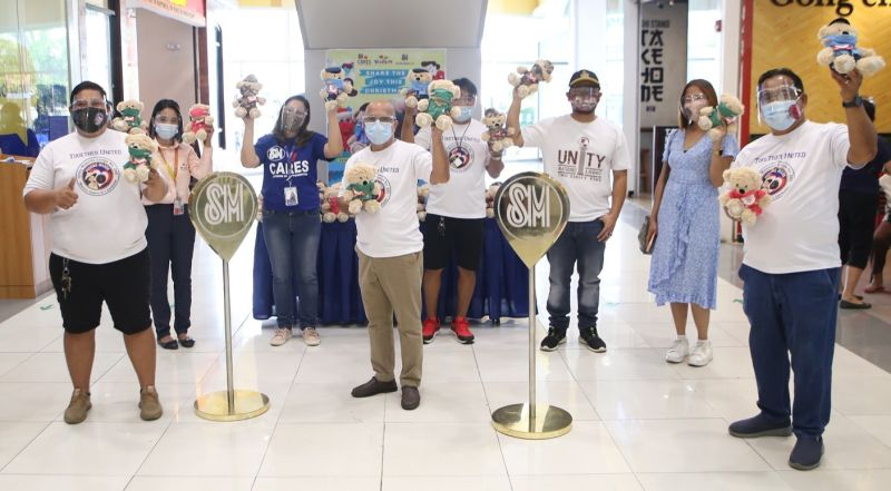 BEARS OF JOY. SM Bears of Joy were turned over by SM City Olongapo Downtown led by Mall Manager Ana Lorraine Azucenato the Unity Lodge Masonic group for distribution to Iram Elementary School. (Contributed photo)