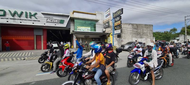 NO TO PMVIC. Thousands of motorists in Angeles City join the nationwide noise barrage and motorcade against PMVIC on Monday, January 25, 2021.(Chris Navarro)