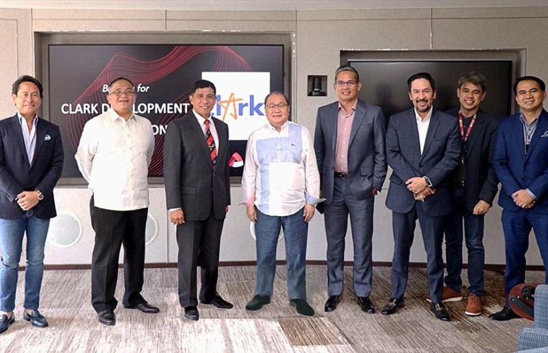 RENEWED PARTNERSHIP. CDC President and CEO Manuel R. Gaerlan (3rd from left) meets with PLDT Chairman and CEO Manuel V. Pangilinan (4th from left) at the latter's office in Makati. The PLDT is one of the most important partners in Clark's vision of becoming a modern aerotropolis, smart city and destination of choice for MICE and tourism.  CDC sees the strengthening of partnership will lead to improving and future-proofing the service standards in the zone. Also present during the event are (5th to 8th from left): Alfredo S. Panlilio , EVP and Chief Revenue Officer of PLDT; Jovy I. Hernandez, SVP and Group Head Enterprise Business, PLDT and Smart; Chito M. Franco, CEO of PLDT ClarkTel, and Victor Y. Tria, First Vice President and Head of PLDT ALPHA Enterprise.  Also, in the meeting are Atty. Michael T. Toledo (leftmost), Government Relations and Public Affairs Head of Metro Pacific Investments and Dennis Legaspi (2nd from left), CDC Chief of Staff. (Contributed photo)