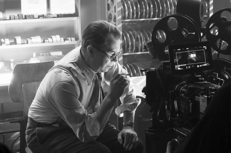 In this image released by Netflix, Gary Oldman portrays Herman Mankiewicz in a scene from