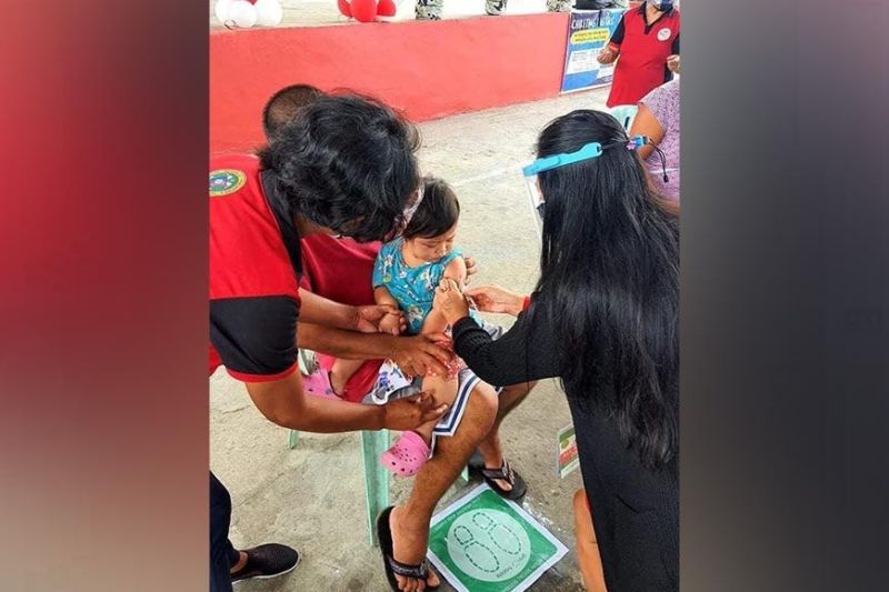 BACOLOD. The City Health Office is giving Bacolodnon children vaccines against measles and polio for the whole month of February. (CHO photo)