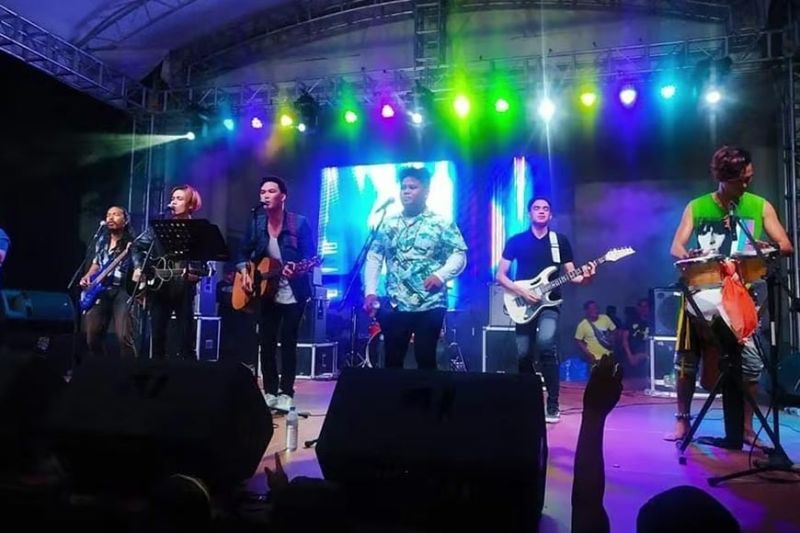 BACOLOD. Ardent performs in E.B. Magalona. (Contributed photo)