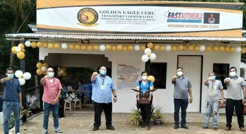 ■ BLESSING: Mga opisyales sa Golden Eagle Cebu Transport Cooperative (GECTC) atol sa blessing ug inauguration sa ilang opisina sa Sityo Pundok, Pit-os, dakbayan sa Sugbo. / TAMPO nga hulagway