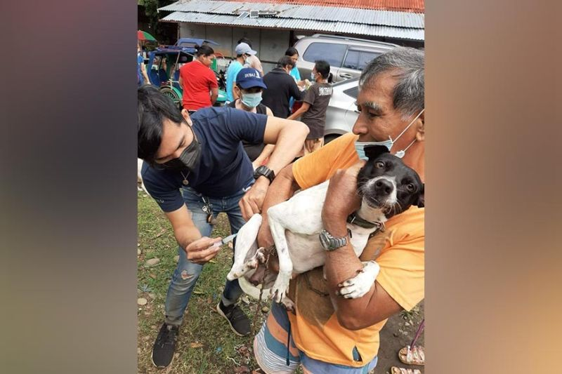 MANAPLA. Some of the 379 residents in Manapla town availing various veterinary services through the veterinary medical mission of the Provincial Veterinary Office of Negros Occidental. (Contributed photo)