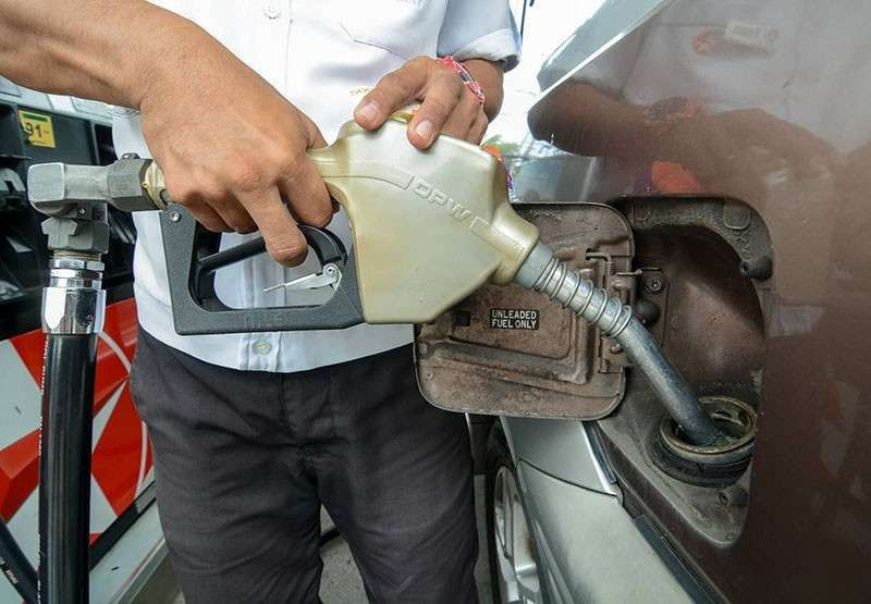 ADJUSTMENTS. Gasoline will be more expensive by P1.20 per liter while diesel will cost P0.95 per liter more on Tuesday, Feb. 23, 2021. (SunStar file)
