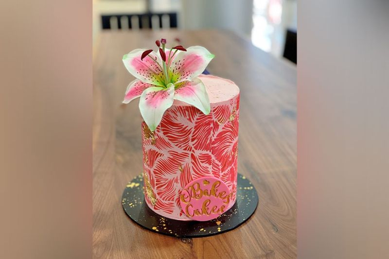 PAMPANGA. Too pretty to eat flower cake from OBakes Cakes. (Charlene A. Cayabyab)