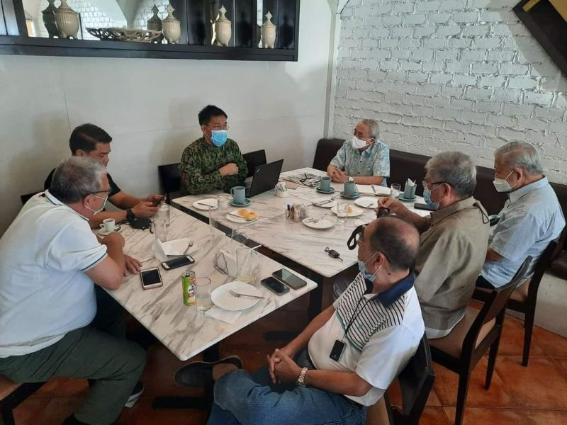 BACOLOD. Officials and representatives of different business groups meet with Bacolod City Police Office Director Col. Manuel Placido and Councilor Al Victor Espino, chair of the City Council's committee on police matters, at Felicia's Restaurant in the city yesterday. (Contributed photo)