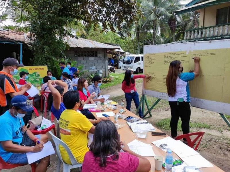 NEGROS OCCIDENTAL. Farmer-members of Newton-Camingawan-Para Farmers Association attend the four-day Participatory Rural Appraisal training at Barangay Taloc in Bago City last week. (Contributed photo)