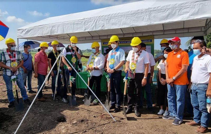 GROUNDBREAKING. The 11th extension campus of the Central Philippine State University (CPSU) will soon rise at the 2-hectare property located at Bagumbayan, Valladolid. Senator Win Gatchalian, (7th from left) and Governor Eugenio Jose Lacson, (5th) join Valladolid Mayor Enrique Miravalles, (6th) and CPSU President Dr. Aladino Moraca, (8th), in the groundbreaking rites held on February 27. (Photo by Carla N. Cañet)