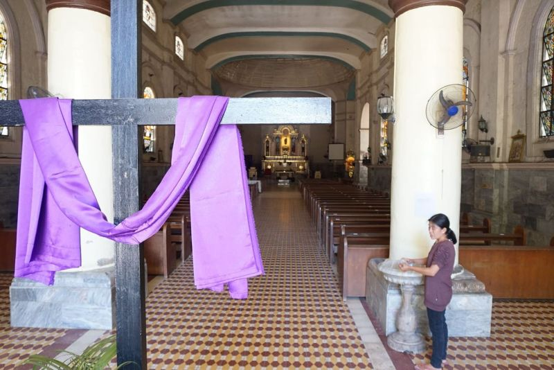 HOLY WEEK 2021. Due to the ongoing pandemic, traditional practices during the Holy Week are being put on hold by the Archdiocese of Cebu. These include devotional processions, prayer meetings and vigils. (SunStar file)