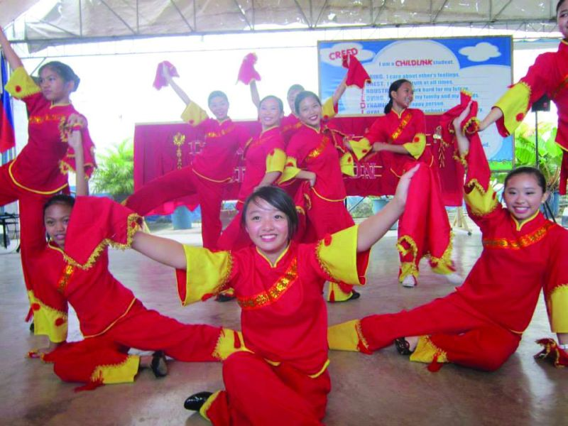 DANCE. Chinese dances as a way to celebrate the spring festival.