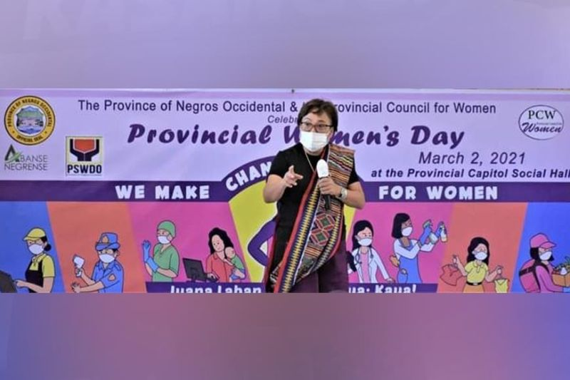 WOMEN'S DAY CELEBRATION. Commission on Election Commissioner Rowena Guanzon discusses women's leadership during the celebration of Provincial Women's Day. (Provincial PIO photos)