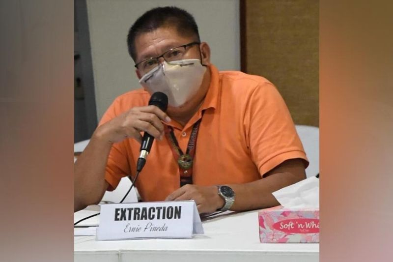 BACOLOD. Executive Assistant Ernesto Pineda, cluster head on markets. (Bacolod PIO photo)
