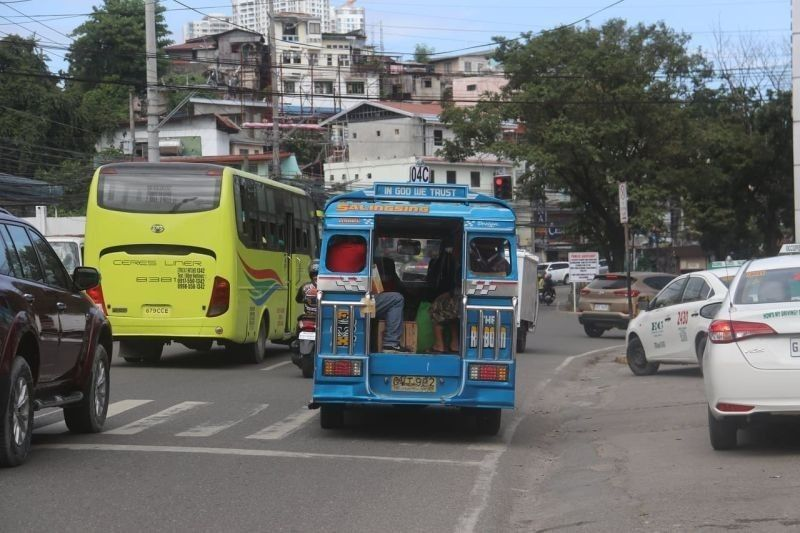 Mandaue, Talisay TPUJs required to get travel line to enter Cebu. (File photo)