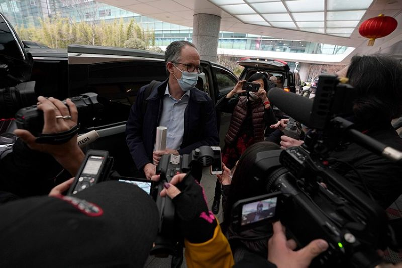 CHINA. In this February 10, 2021 file photo, Peter Ben Embarek of a World Health Organization team speaks to journalists, at the end of their WHO mission to investigate the origins of the coronavirus pandemic in Wuhan in central China's Hubei province. (AP)