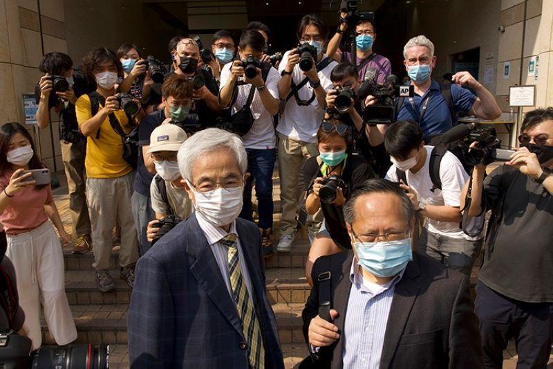 HONG KONG. Pro-democracy lawmaker Martin Lee (left) and Albert Ho (right) arrive at a court in Hong Kong Thursday, April 1, 2021. (AP)
