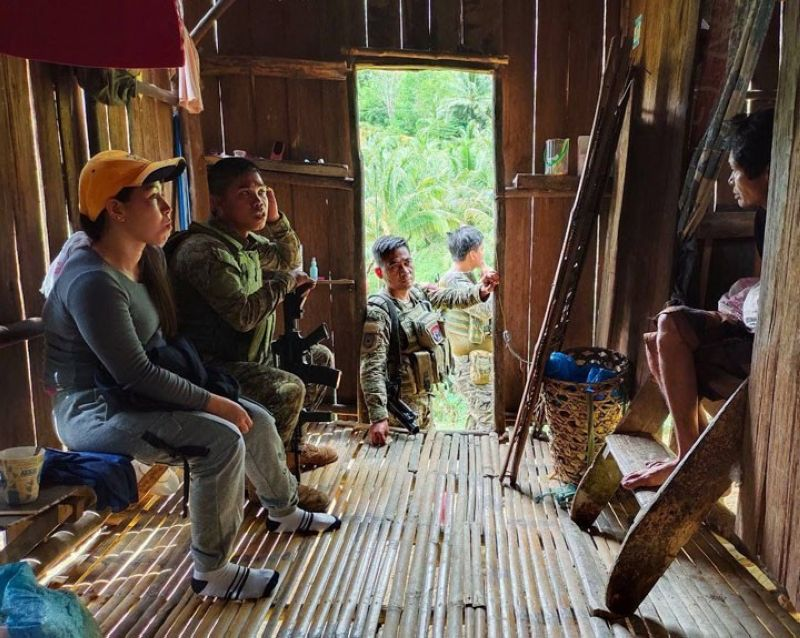 ZAMBOANGA. The Army's 53rd Infantry Battalion launches community engagement program to further enhance the anti-insurgency campaign in Dumingag, Zamboanga del Sur. A photo handout shows 53IB troops and village officials conducting house-to-house visitation in Saad, Dumingag, which is part of the program. (SunStar Zamboanga)