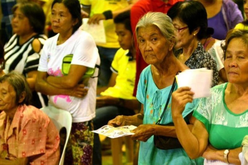 Only 9K seniors in Cebu City register for Covid vaccination. (File photo)