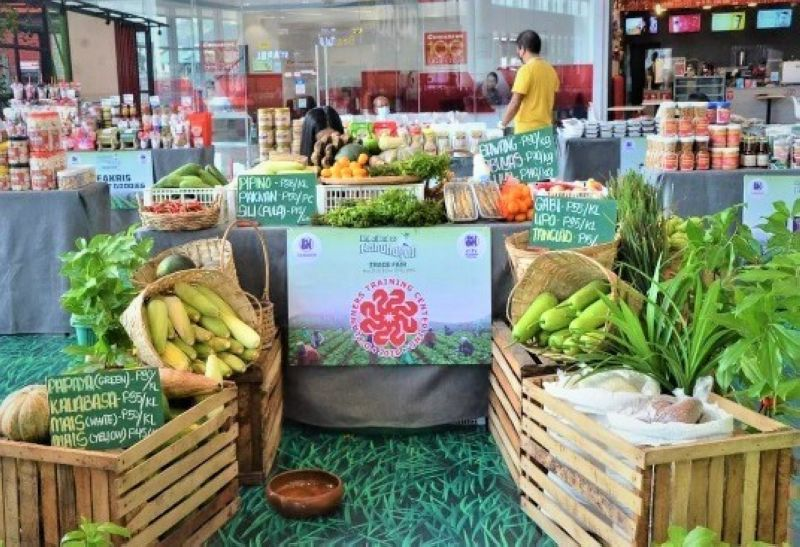 TRADE FAIR. The SM Foundation Inc. has provided numerous opportunities for farmers under its Kabalikat Sa Kabuhayan on Sustainable Agriculture through various trade fairs. (Contributed photo)