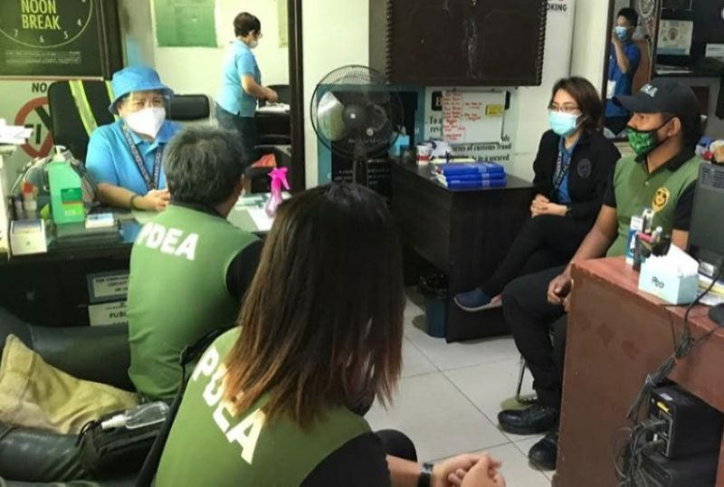 BACOLOD. Members of PDEA-Negros K9 Unit pay courtesy visit to Bureau of Customs Collector Renevic Soliman at the Bureau of Customs Sub-Port of Pulupandan (Satellite Office) at Bredco Port, Reclamation Area, Bacolod City. (Contributed photo)