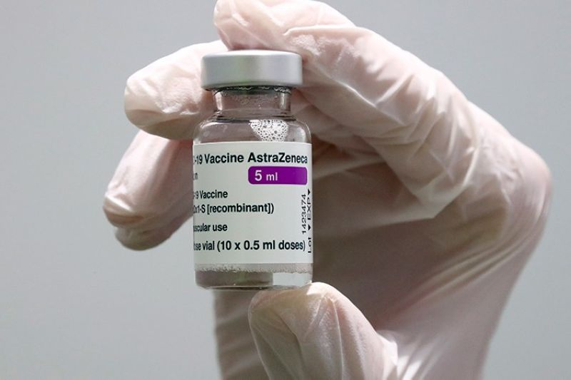 GERMANY. In this March 22, 2021 file photo, medical staff prepares an AstraZeneca coronavirus vaccine during preparations at the vaccine center in Ebersberg near Munich, Germany. (AP)