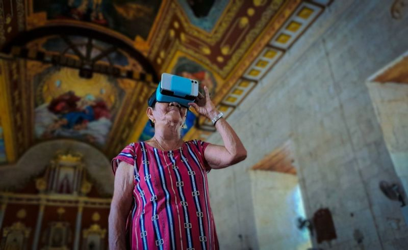 VIRTUAL EXHIBIT. Not your typical display, Panaw sa Pagtuo takes the form of a Spanish period church replica and makes use of such digital tools as quick response codes and virtual reality (VR) devices to allow visitors to experience Cebu's religious treasures in one setting. (PR)