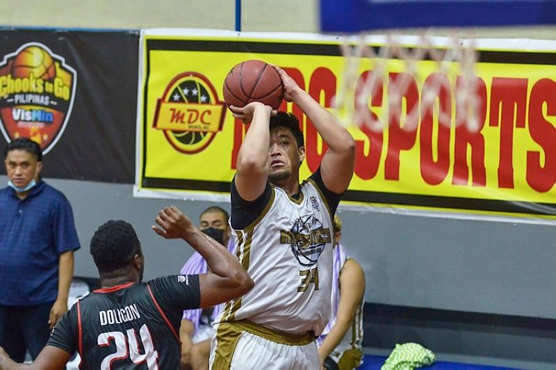 ALCANTARA. Siquijor's Ryan Buenafe scored 24 points to lead the Mystics past Dumaguete in the Chooks-to-Go Pilipinas VisMin Super Cup. (Chooks-to-Go photo)